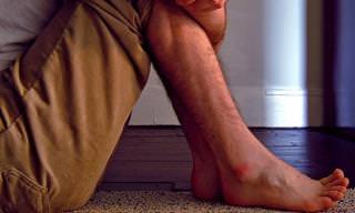 12 פתרונות ביתיים להקלה על תסמונת הרגליים חסרות המנוחה