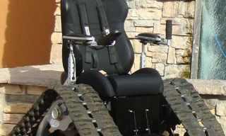 כיסא גלגלים לשטח קשה - המצאה חזקה!