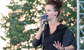 24 שירי העצמת נשים לכבוד יום האישה הבינלאומי