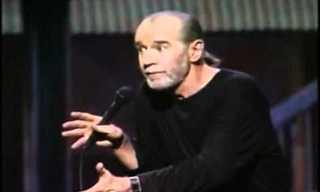 """מומלץ! ג'ורג' קרלין בסטנדאפ על כדוה""""א"""
