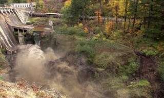 פריצת סכר מציפה נהר