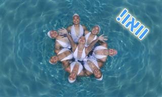 15 תמונות של שחייה צורנית ממבט על