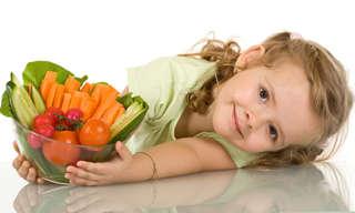 כיצד לעודד את ילדי בית הספר לאכול בריא