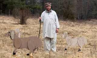 מחזה מוזר - כפר אפגני באמצע גרמניה