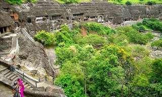 המערות המדהימות של הבודהיסטים