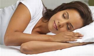 הסיבות לכך שתמיד כדאי לשכב על צד שמאל