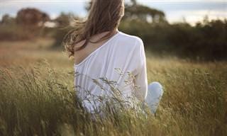 10 בחירות יומיות שחשוב לבצע כדי לחיות חיים מאושרים