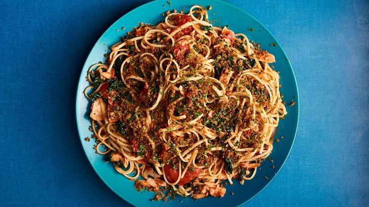 מתכון לפסטה ברוטב עגבניות, אנשובי וטונה