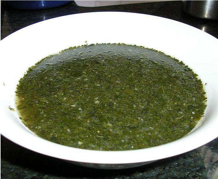 מתכון למרק מלוחיה- מרק עלים בסגנון יהודי מצרי