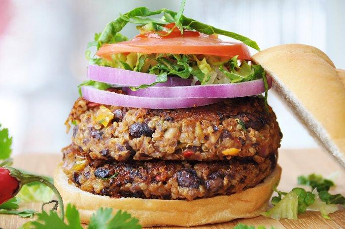 מתכון להמבורגר קינואה ושעועית