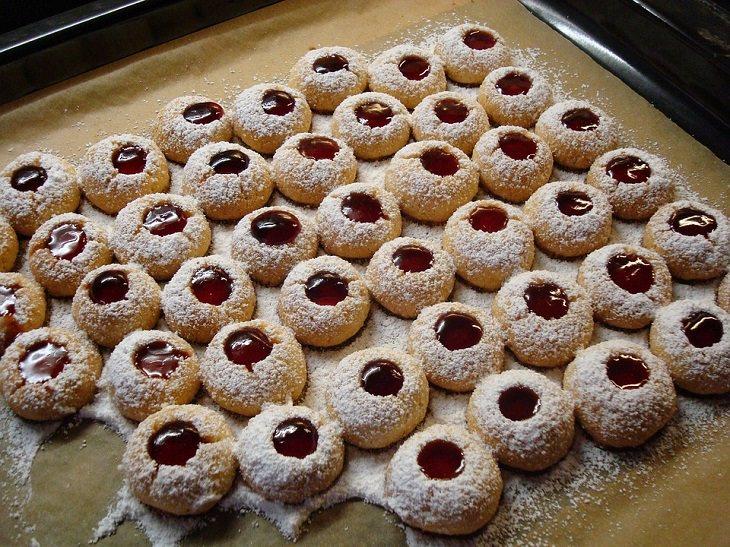 מתכון לעוגיות ריבת פטל מבצק פריך