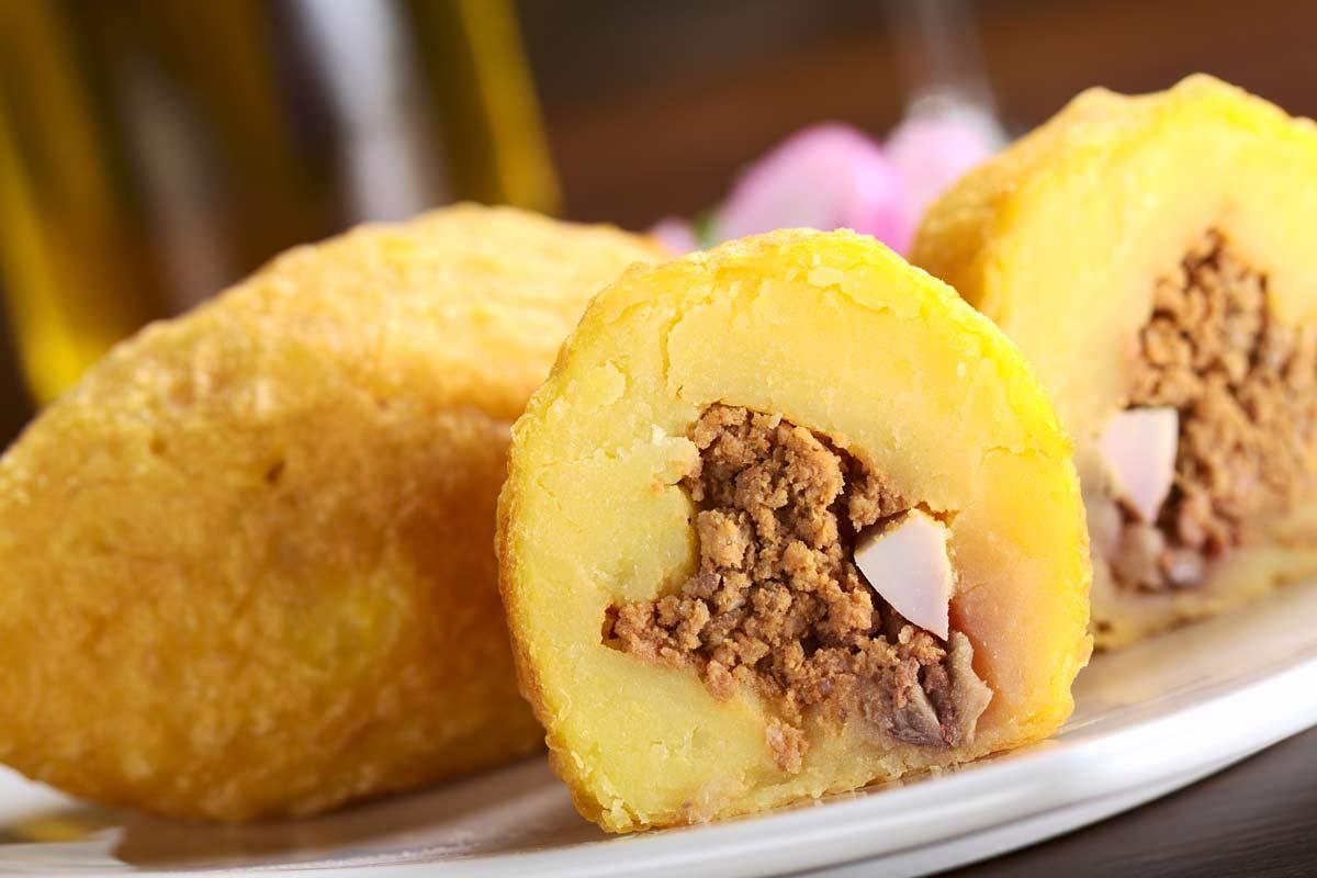 מתכון לפאפה רלנה: תפוחי אדמה ממולאים בנוסח פרואני