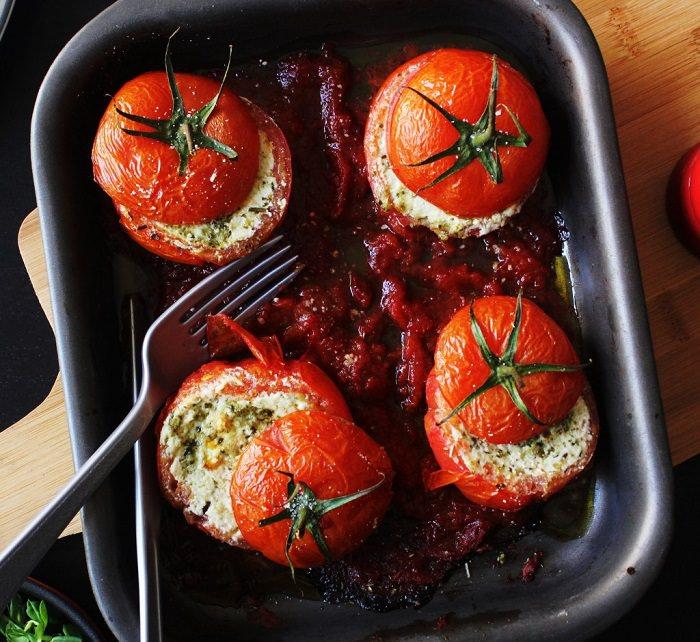 מתכון לעגבניות ממולאות בגבינת ריקוטה