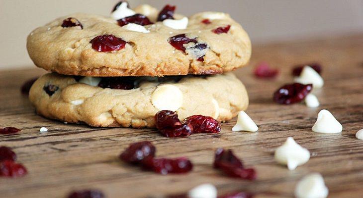 מתכון לבצק לעוגיות אוכמניות-שוקולד לבן להקפאה