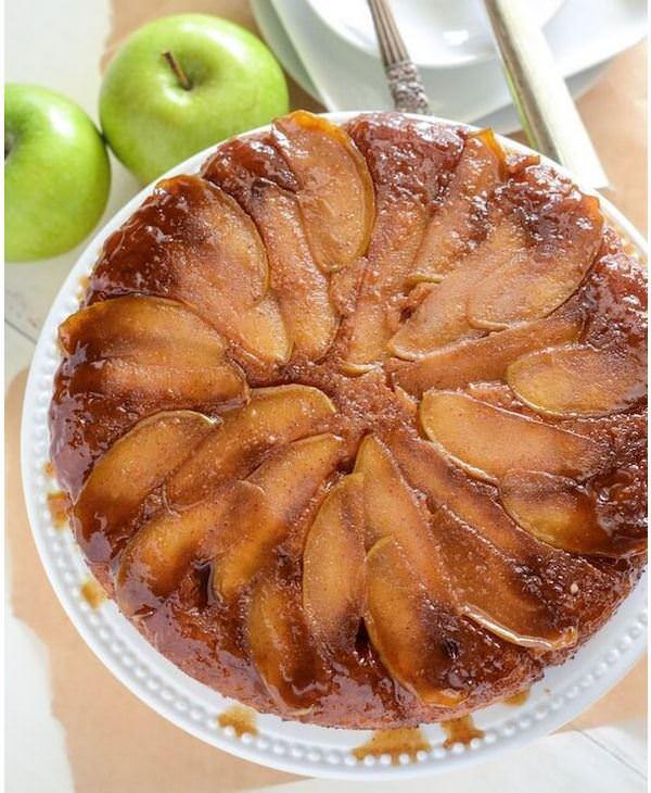 מתכון לעוגת תפוחים ודבש הפוכה