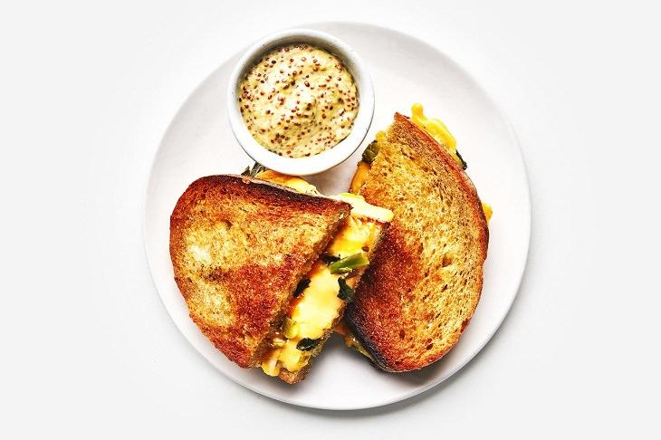 מתכון לטוסט גבינה מיוחד ומפתיע