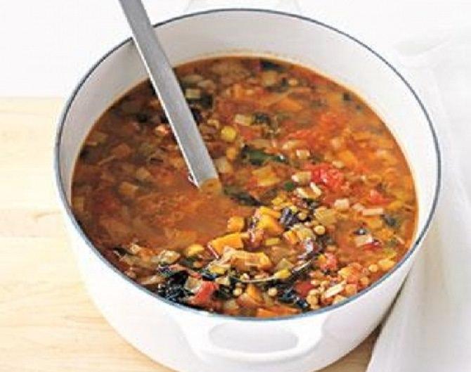 מתכון למרק עדשים עגבניות וכרישה