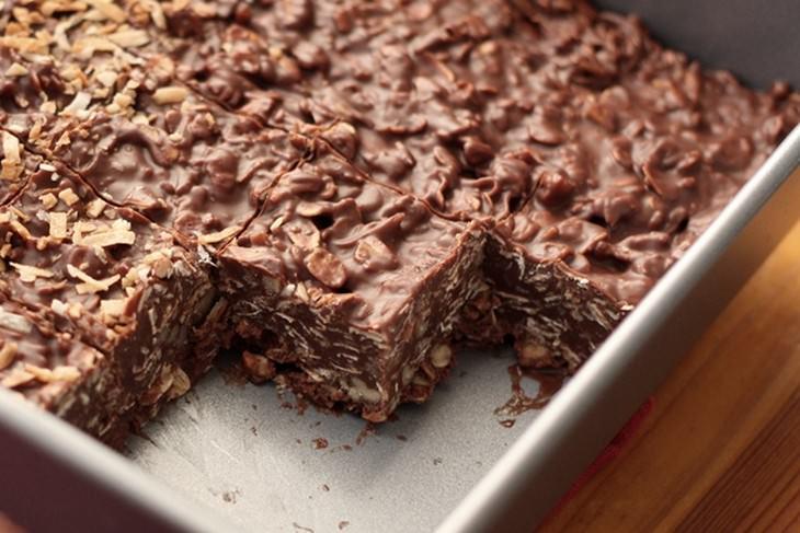 מתכון לנגיסי שוקולד, חמאת בוטנים וקוקוס