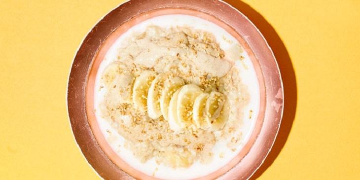 מתכון לדייסה נהדרת עם טחינה ובננות