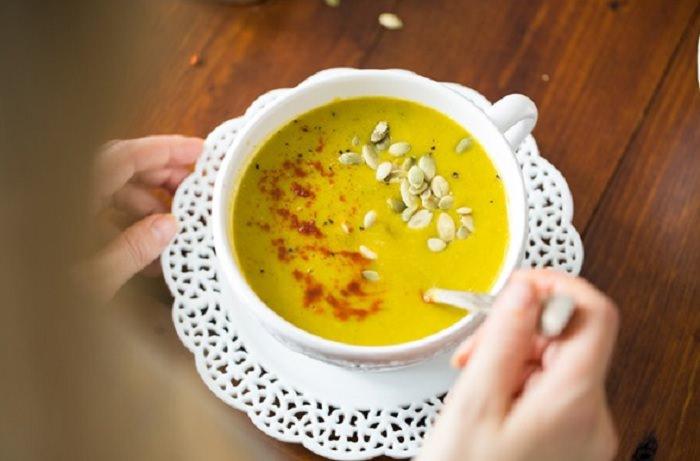 מתכון למרק ירקות מוקרם ללא שמנת