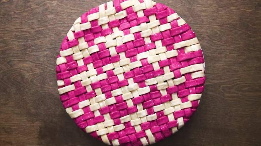 מתכון לפאי ארוג צבעוני במילוי אוכמניות