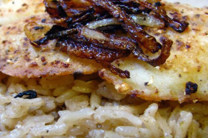 מתכון לסיידיה – פילה עם אורז מתובל ובצל מקורמל
