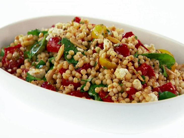 פתיתים עם ירקות ברוטב פפריקה וחומץ