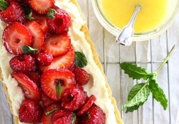 מתכון לטארט תותים עם קרם מסקרפונה-לימון