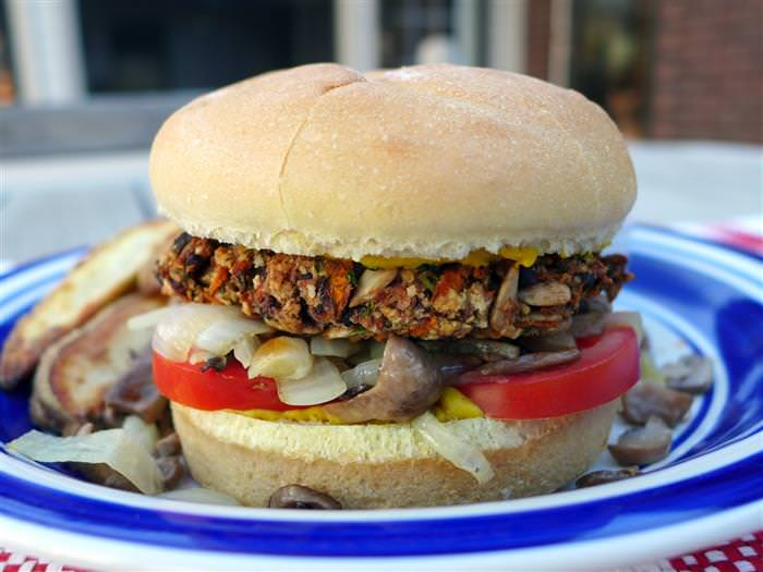 מתכון להמבורגר משעועית שחורה