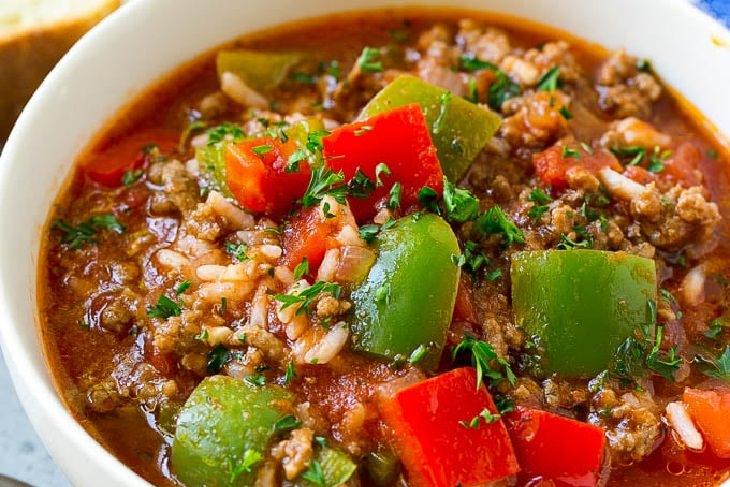מתכון למרק עם אורז, פלפלים ובשר