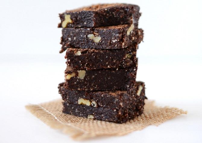 מתכון לעוגיות בראוניז טבעוניות ללא סוכר
