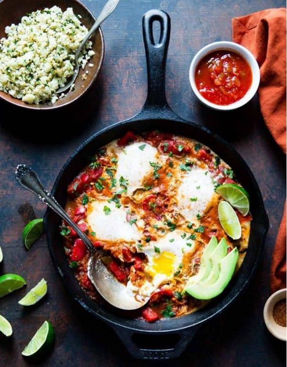 מתכון לשקשוקה מקסיקנית ואורז כרובית