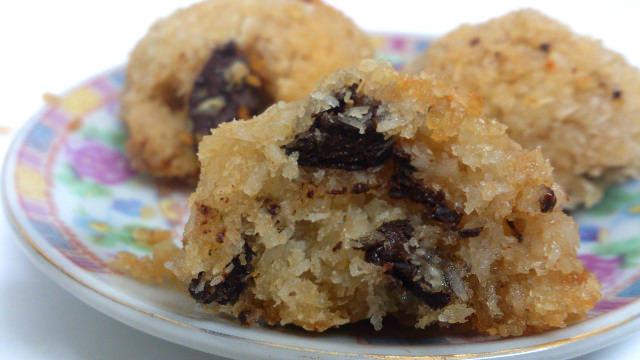 """מתכון לעוגיות קוקוס ושוקולד צ'יפס מהבלוג """"Pink Vegan"""""""