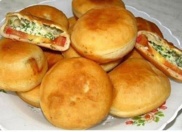 מתכון למאפה מלוח במילוי גבינות ועגבנייה