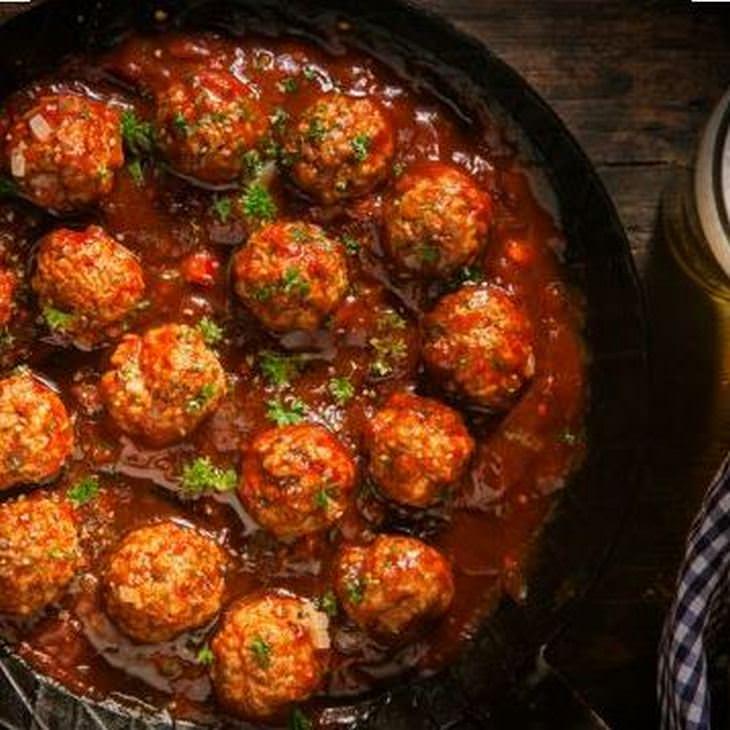 מתכון לקציצות עוף ברוטב עגבניות בסגנון איטלקי - קל להכנה