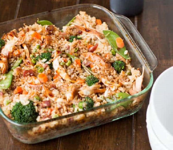 מתכון לתבשיל אורז מטוגן עם עוף וירקות