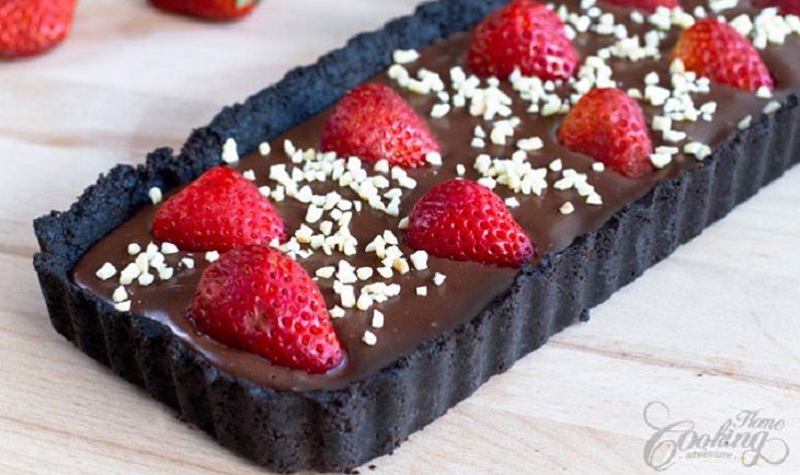 מתכון לטארט תות ושוקולד ללא אפייה