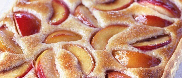 מתכון לעוגת טארט אפרסקים וקרם שקדים