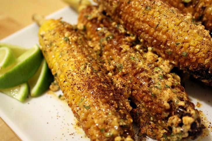 מתכון לתירס צלוי בנוסח מקסיקני (אלוטה)