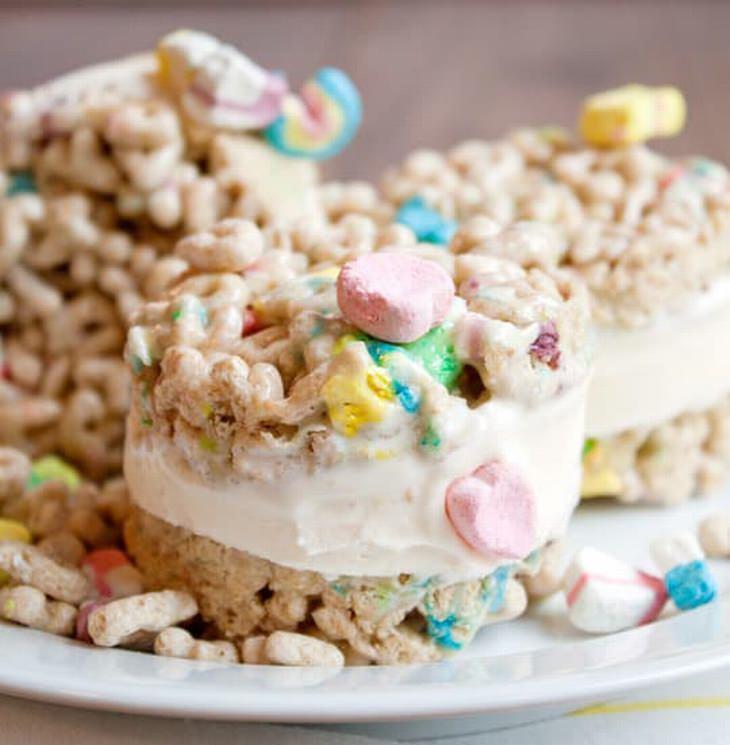 מתכון לכריך מתוק של גלידה מדגני בוקר ומרשמלו