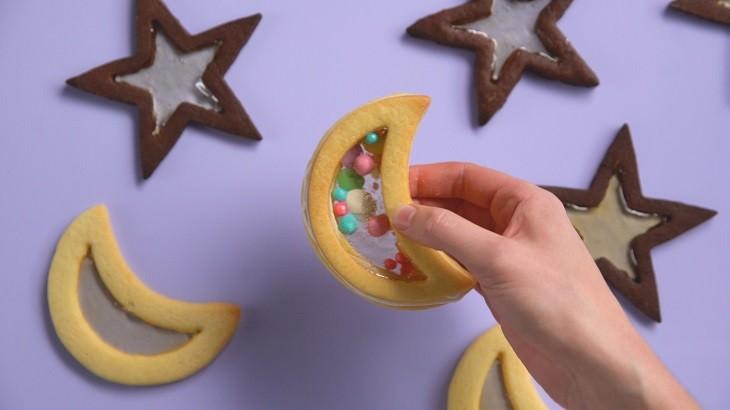 מתכון לעוגיות חמאה לילדים בצורת אקווריום עם סוכריות