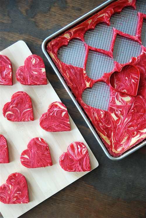 מתכון לעוגיות לבבות גבינה במרקם קטיפה אדומה