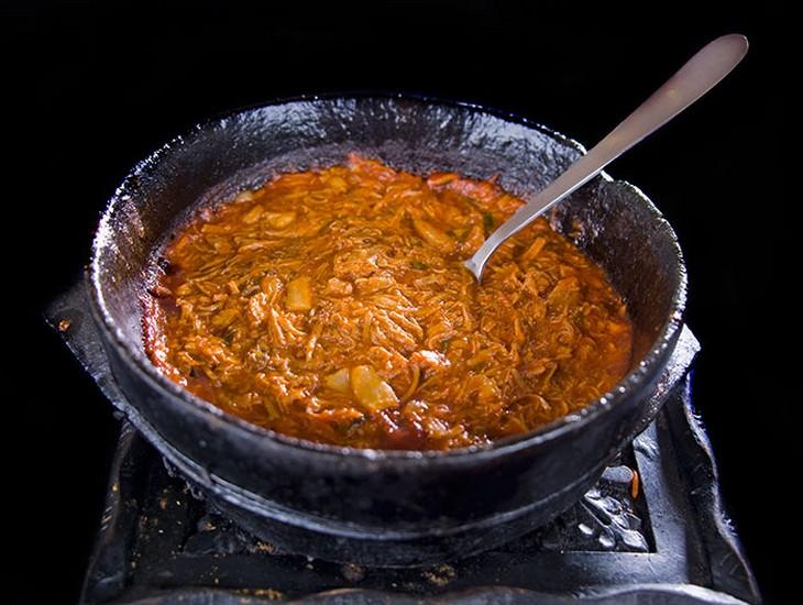 מתכון לתבשיל בשר תימני מתובל (Fahsa Saltah)