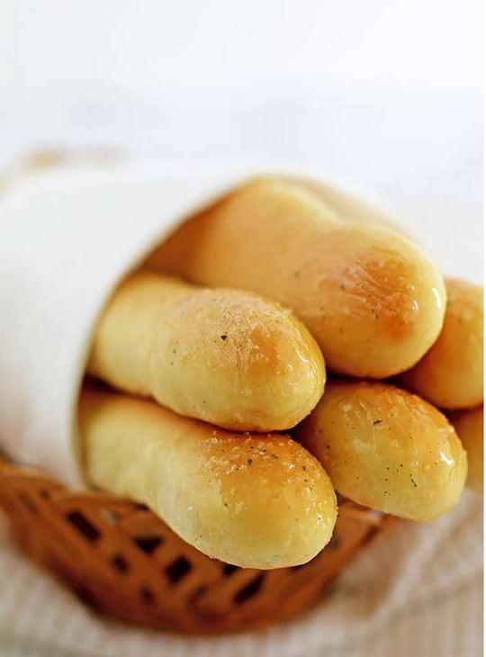מתכון לאצבעות לחם שום