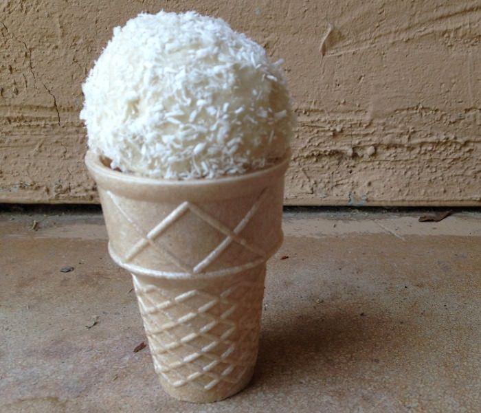 מתכון לגלידה עם פתיתי קוקוס ללא חלב